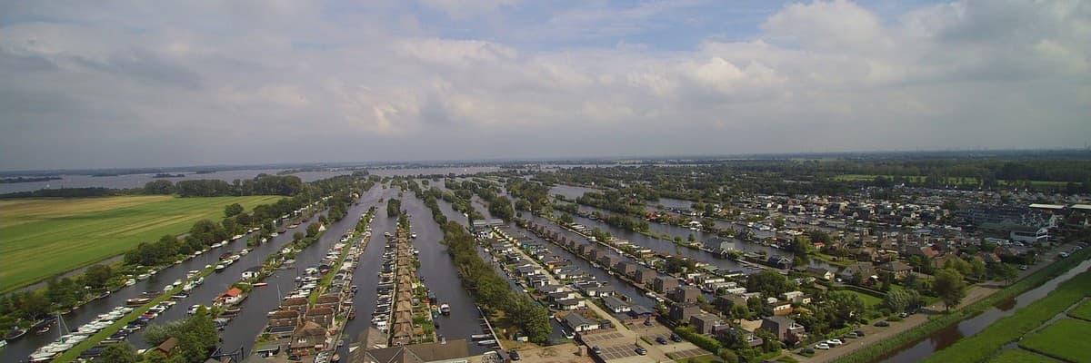 diverse units/ruimten voor watersportgebonden bedrijvigheid op De Evenaar Yachting te Breukelen